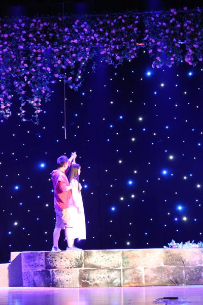上海热线海派文化频道 第五届中国校园戏剧节开幕